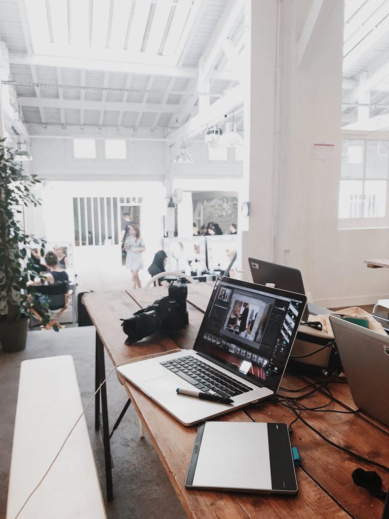 virtual office white